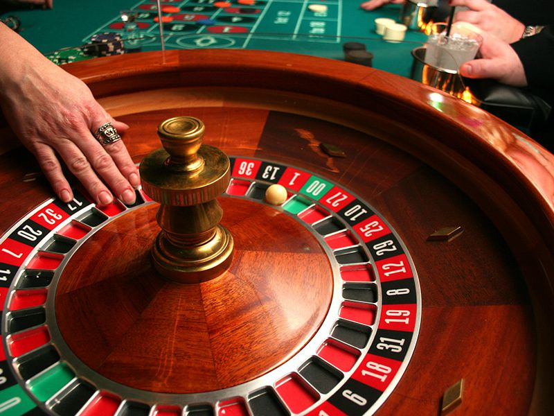 Roulette wheel to spin
